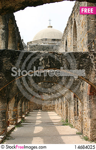 Free Spanish Mission Royalty Free Stock Photo - 14684025