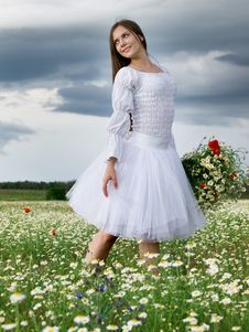 Free Girl In Daisy Field Stock Photography - 14683662
