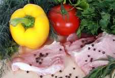 Free Meat And Fresh Vegetables Stock Photos - 14686113
