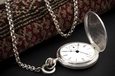 Free Silver Pocket Watch Stock Photos - 14690943