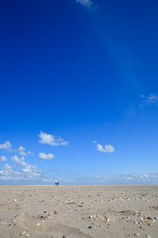 Free A Blue Clear Sky With Beach And Ocean Royalty Free Stock Photography - 14692367