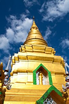 Free Exquisite Pagoda Royalty Free Stock Image - 14699616