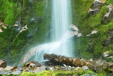 Free Waterfall And Beam Royalty Free Stock Images - 1470349