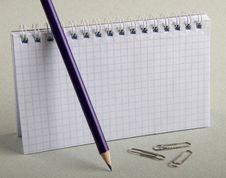 Free Notebook Pencils Royalty Free Stock Photos - 1475038