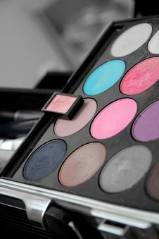 Free Eye Shadow Palette Stock Photo - 1475630