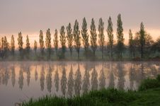 Free Morning Reflection Royalty Free Stock Photos - 1476508