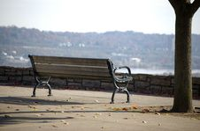 Autumn Park Bench Royalty Free Stock Photography