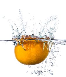 Free Orange In Water Royalty Free Stock Photography - 14700247