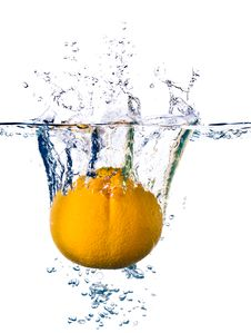 Free Orange In Water Royalty Free Stock Images - 14700249