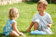 Free Kids Playing On Green Grass Royalty Free Stock Images - 14701099