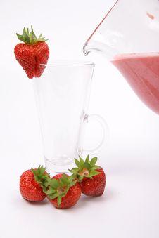 Free Strawberry Shake Being Poured Stock Photos - 14701623