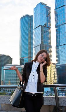 Young Business Lady Speaking Over The Mobile Phone Royalty Free Stock Photos