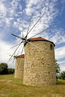 Free Traditional Windmill Royalty Free Stock Photography - 14706137