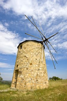 Free Traditional Windmill Royalty Free Stock Image - 14706286
