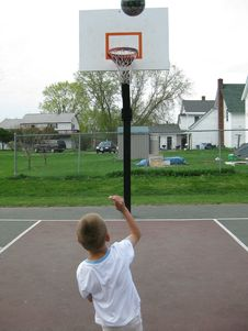 Shooting Hoops Royalty Free Stock Images