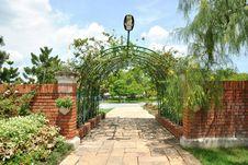 Free Royal Garden Royalty Free Stock Image - 14707326