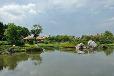 Free Royal Garden Royalty Free Stock Photo - 14708095