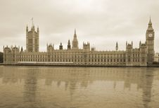 Free Westminster Reflecting Royalty Free Stock Photography - 14713027