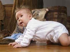 Free Baby Crawling On A  Floor Royalty Free Stock Photography - 14715677