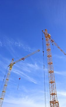 Free Tower Crane Royalty Free Stock Photo - 14715815