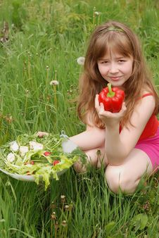 Free Portrait Of The Girl  With Vegetables Stock Photos - 14724253
