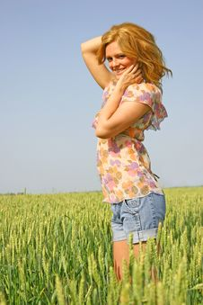 Free Sexy Girl In A Wheat Field Royalty Free Stock Photo - 14725195