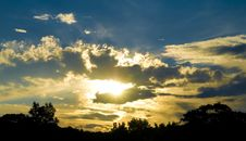 Free Dramatic Sunset Royalty Free Stock Photos - 14728698