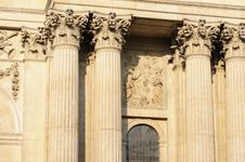 Free Sculpted Columns Of Saint Paul S Cathedral Royalty Free Stock Images - 14731849