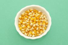 Free Yellow Corn Kernels Royalty Free Stock Images - 14736409