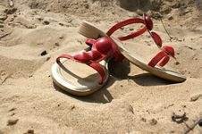 Free Sandals On The Beach Royalty Free Stock Photos - 14741998