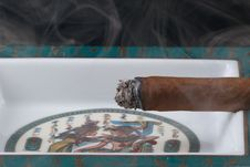 Free Cigar And Smoke Stock Photography - 14743562