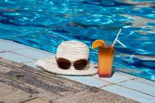 Free Eyewear,sunhat And Tasty Cocktail With Lemon. Royalty Free Stock Photography - 14744347