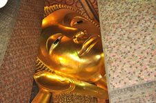 Free Big Face Gold Buddha Thailand Stock Photo - 14749250