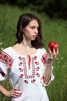 Free Ukrainian Girl Royalty Free Stock Photography - 14750177