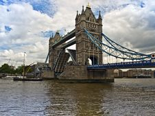 Free Tower Bridge London And River Thames Royalty Free Stock Photography - 14757557