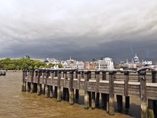 Free London City View Over River Thames Royalty Free Stock Images - 14757579