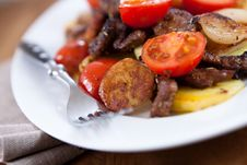 Free Beef With Roasted Vegetables Royalty Free Stock Photos - 14758898