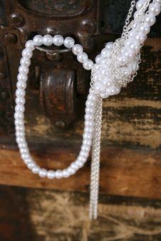 Free Pearl Jewelery Stock Image - 14761011