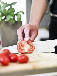 Free Cutting Tomatoes Royalty Free Stock Photography - 14762667