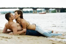 Free Couple On A River Bank Royalty Free Stock Photography - 14763427