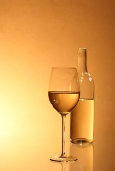 Free White Wine Royalty Free Stock Photography - 14763757