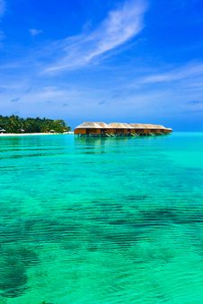 Free Water Bungalows On A Tropical Island Royalty Free Stock Photography - 14765657