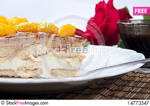 Free Not Baked Cake With Fruits Royalty Free Stock Photography - 14773347