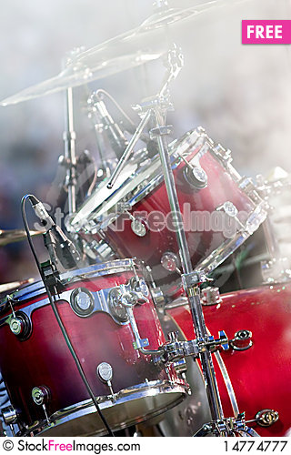 Free Drums And Smoke Royalty Free Stock Photography - 14774777