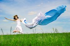 Free Happy Young Woman Jumps Stock Images - 14773884