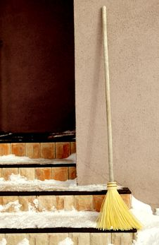 Free Yellow Broom On The Porch Royalty Free Stock Images - 14775029