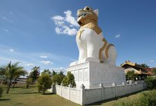 Free Lion Statue Royalty Free Stock Photography - 14776097