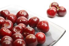 Free Sweet Cherries In A Glass Plate Royalty Free Stock Images - 14782049