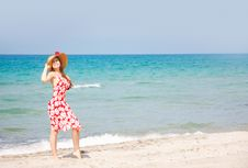 Free Young Happy Girl On Beach Royalty Free Stock Photos - 14798928