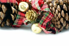 Free Pine Cones And Ribbons Stock Images - 1487444